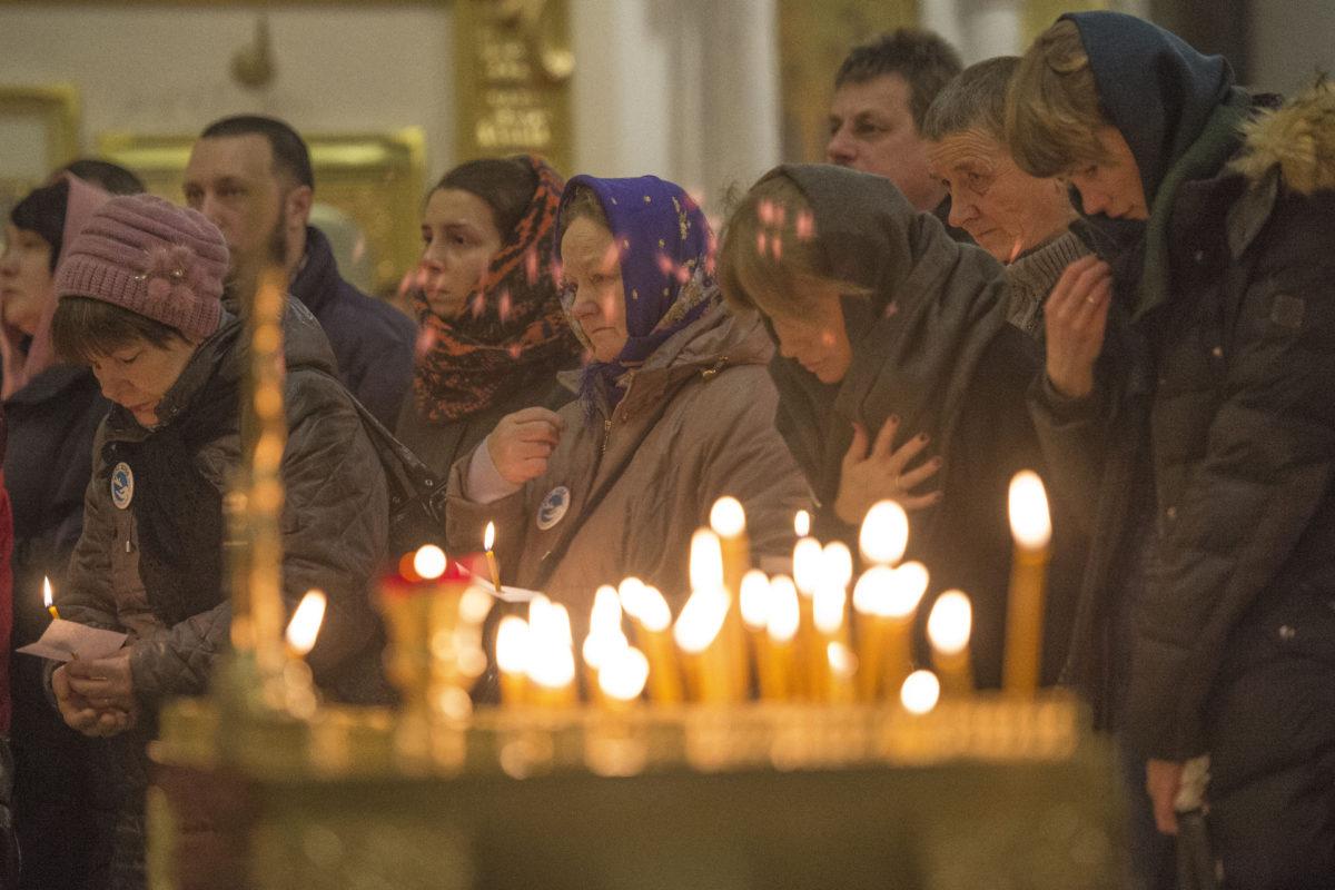 В годовщину крушения самолета А-321 над Синаем, 31 октября 2016 года, в Санкт-Петербурге прошли траурные мероприятия